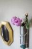 風水から見る玄関に置く鏡の位置について[風水で恋愛運や金運を上げる方法とは?]